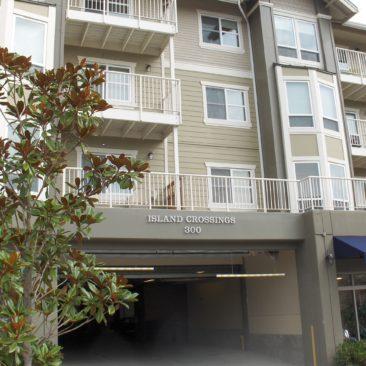 1 Bedroom Bainbridge Condo Centrally Located